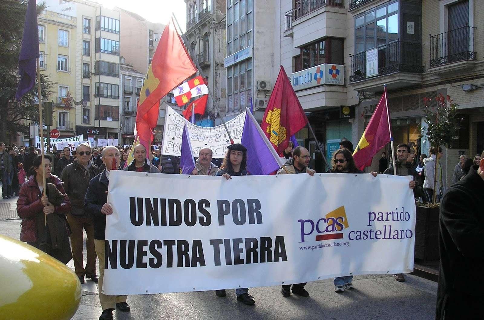 Manifestación en pro del tren convencional en Cuenca