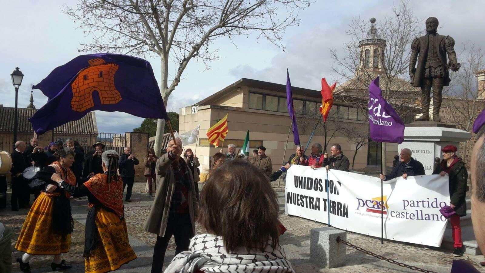 Manifestación del Partido Castellano en Plaza Padilla