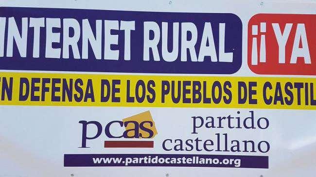 Cartel de protesta del PCAS reclamando un meejor internet rural