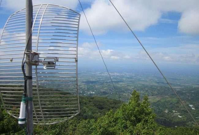 Antena sobre montaña