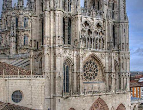 El Partido Castellano Tierra Comunera (PCAS-TC) reclama el No en el Pleno del Ayuntamiento a las Puertas de Antonio López en la fachada de la Catedral de Burgos