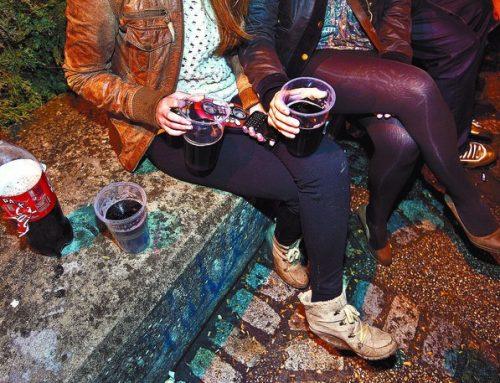La ausencia de actividades para jóvenes les arrastra, una año más, al botellón en las fiestas mayores de Burgos.